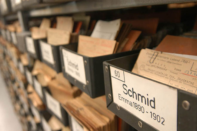 Missing persons archive of the GRC Tracing Service in Munich